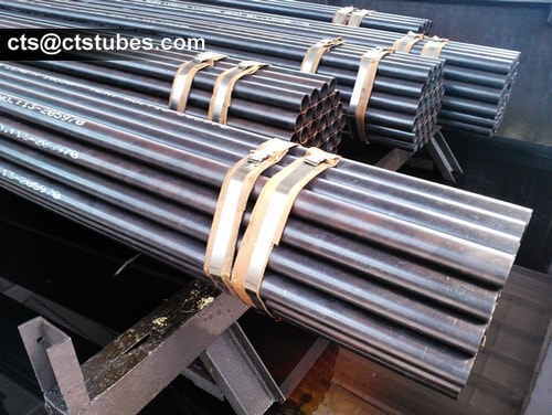 DIN17175 ST35.8 Seamless Tubes packed in bundles with steel strips
